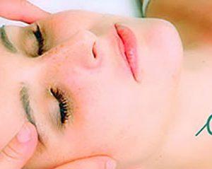 Eve Taylor Aromatherapy Facial